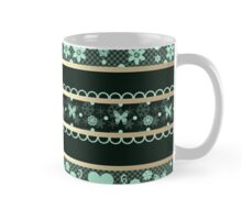 Green seamless lace ribbon pattern on black background Mug