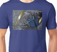 litttle blue gift Unisex T-Shirt