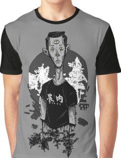 B R O K E N Graphic T-Shirt