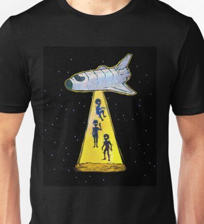 aliens kidnap Unisex T-Shirt