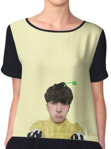 Cute sprout Ken | VIXX Chiffon Top