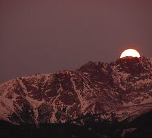 Moonset Behind Garden of the Gods...Colorado Springs by dfrahm
