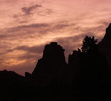 Dawn in Garden of the Gods....Colorado Springs by dfrahm
