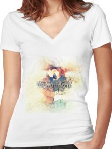 Everglow Women's Fitted V-Neck T-Shirt