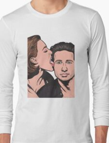 Mulder and Scully X Files Long Sleeve T-Shirt