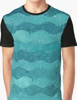 WAVE BREAK Graphic T-Shirt