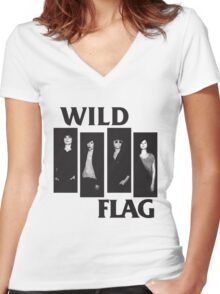 wild flag weiss carrie brownstein Women's Fitted V-Neck T-Shirt
