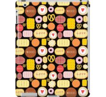 Seamless graphic pattern with delicious cookies iPad Case/Skin