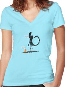 Alien Vs Jonesy Women's Fitted V-Neck T-Shirt