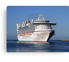 Golden Princess cruise ship Canvas Print