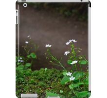 Floribus Mediocris iPad Case/Skin