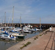 Harbour Boats at Watchett by kalaryder