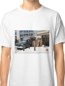 "1950 Chevy 3100 Truck ""Fruits & Vegetables"" in Montevideo Classic T-Shirt"