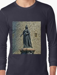 Queen Victoria at Windsor Castle, England Long Sleeve T-Shirt