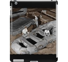 Women Building Zodiacs WWII iPad Case/Skin