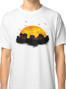 Sunset over city skyline - Birds Classic T-Shirt