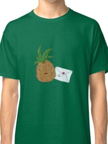 Even Pineapples Love Post.  Classic T-Shirt