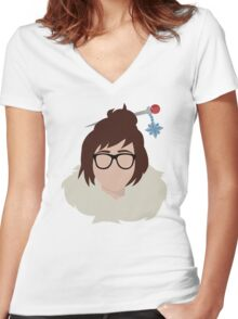 Minimalist Mei Women's Fitted V-Neck T-Shirt