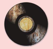 Vintage Vinyl Record Rust Texture - RETRO MUSIC DJ! Kids Tee