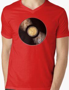 Vintage Vinyl Record Rust Texture - RETRO MUSIC DJ! Mens V-Neck T-Shirt