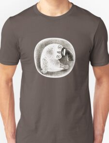 Snowy Owl in a Cylinder T-Shirt