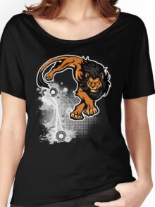 Lion pounce Women's Relaxed Fit T-Shirt