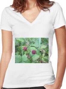 berries look good Women's Fitted V-Neck T-Shirt