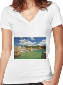 Charlestown Beach and Cliffs Women's Fitted V-Neck T-Shirt