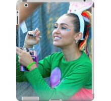 Miley Cyrus Signing Autographs iPad Case/Skin