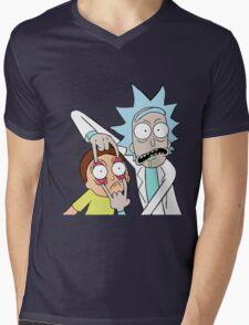 MortyRick Mens V-Neck T-Shirt