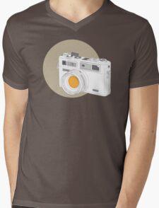 Yashica electro 35GSN Mens V-Neck T-Shirt