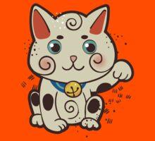 Lucky Japanese cat Maneki-neko. Traditional mascot  Kids Tee