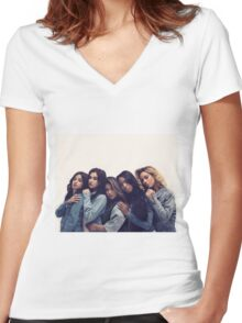 5H GROUP LOVE. Women's Fitted V-Neck T-Shirt