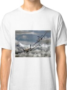 RAF WW2 Spitfire Tailchase Classic T-Shirt
