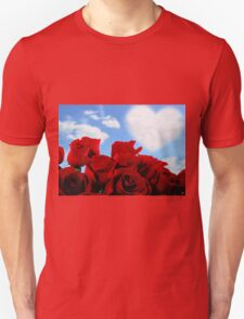 RED ROSE HEART Unisex T-Shirt