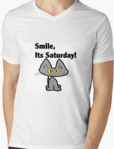 """A Gray Cat says """"Smile, it's Saturday!"""" Mens V-Neck T-Shirt"""