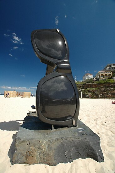 Sunglasses @ Sculptures By The Sea 2010 by muz2142