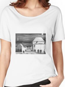 Greyscale The night attack of the 47 Ronin Women's Relaxed Fit T-Shirt
