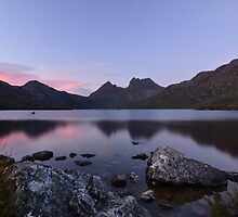 Dove Lake Sunrise by Kylie Reid