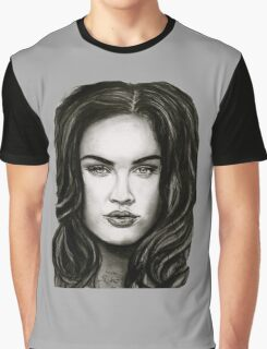 Meg in black Graphic T-Shirt