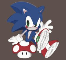 The hedgehog and the champigñon One Piece - Short Sleeve