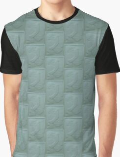 Louise in Relief Graphic T-Shirt