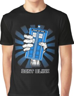 Don't Blink - Doctor Who Graphic T-Shirt