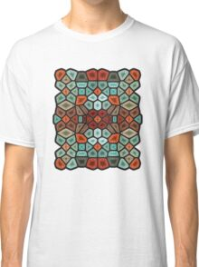 Sunset on the beach - Voronoi Classic T-Shirt