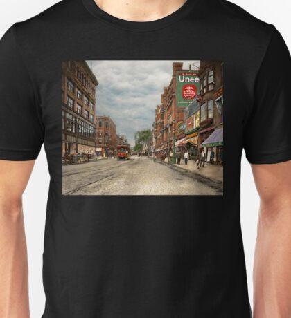 City - Lowell MA - A dam good company 1908 Unisex T-Shirt