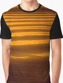 Sunset wave patterns, San Feliciano, Lago Trasimeno, Umbria Graphic T-Shirt