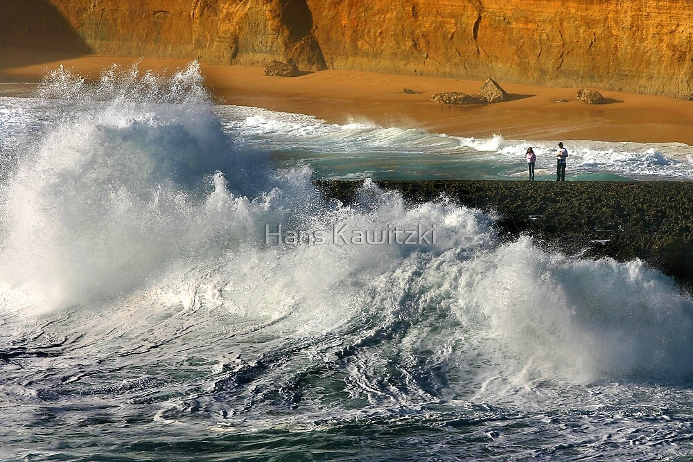 Crushing Wave- 12 Apostles by Hans Kawitzki