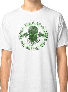 In his house at R'lyeh dead Cthulhu waits dreaming GREEN Classic T-Shirt
