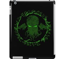 In his house at R'lyeh dead Cthulhu waits dreaming GREEN iPad Case/Skin