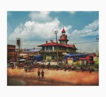 Train Station - Louisville and Nashville Railroad 1905 One Piece - Short Sleeve